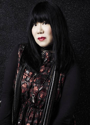 The 53-year old daughter of father (?) and mother(?), 168 cm tall Anna Sui in 2017 photo